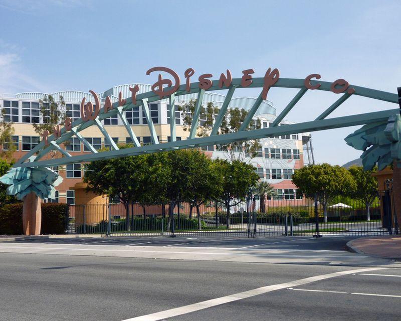 """En Disney está prohibida la palabra """"Dios"""", admiten compositores de música de Frozen"""