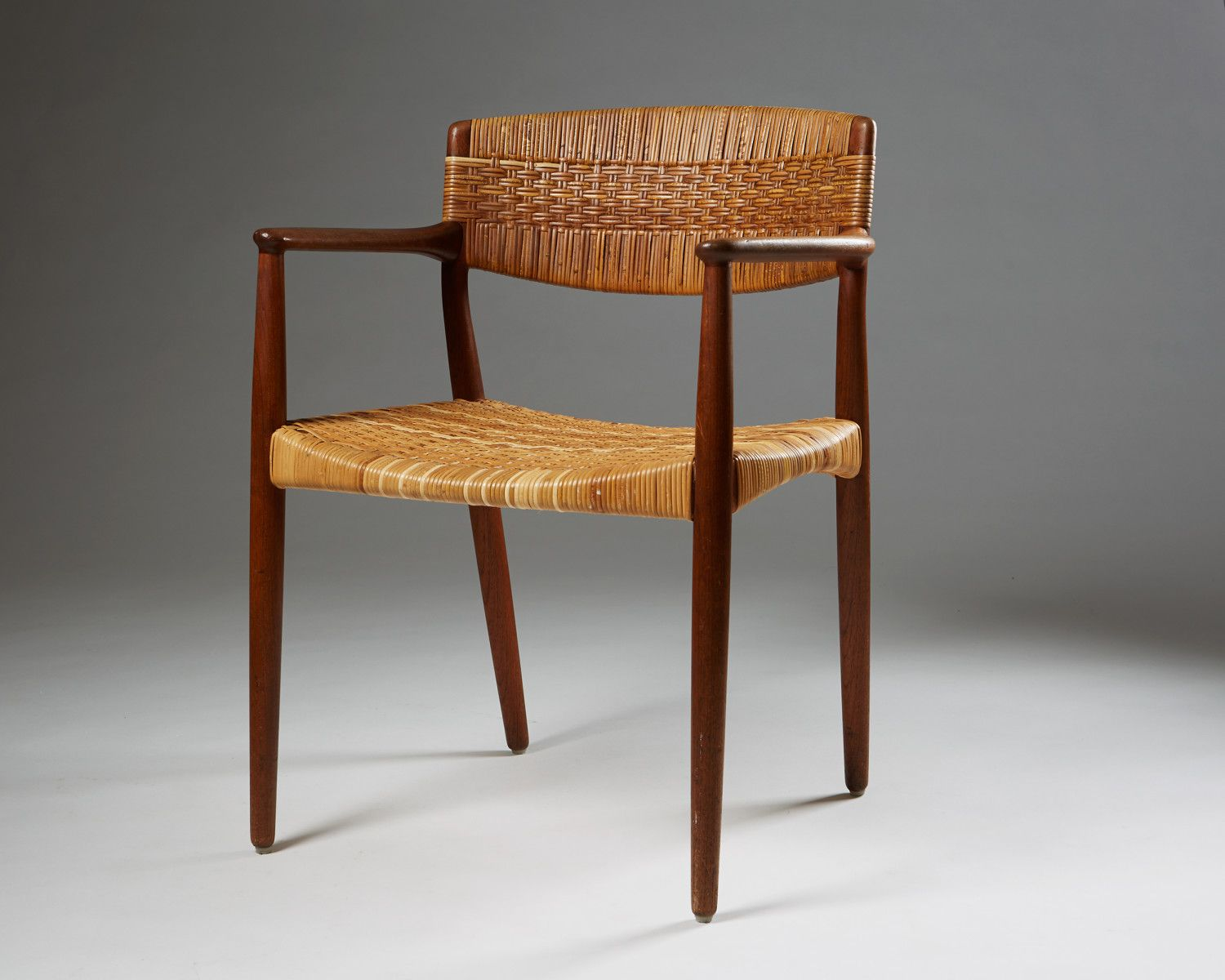 Chair designed by Ejnar Larsen and Aksel Bender Madsen for Willy Beck, — Modernity