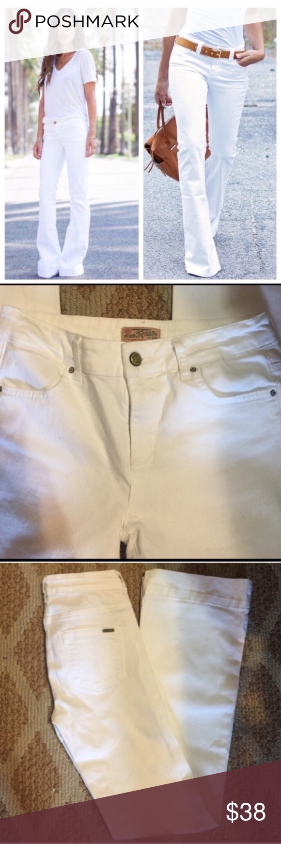 Zara White Jeans! EUC- worn once! Slight Flare/Bootcut. Super Chic! Inseam 31.5'. Waist is waist is 13' across laying flat. Rise is 9'. 98% cotton 2% Elastane. 🌟profile pic is styling idea only🌟 Zara Jeans