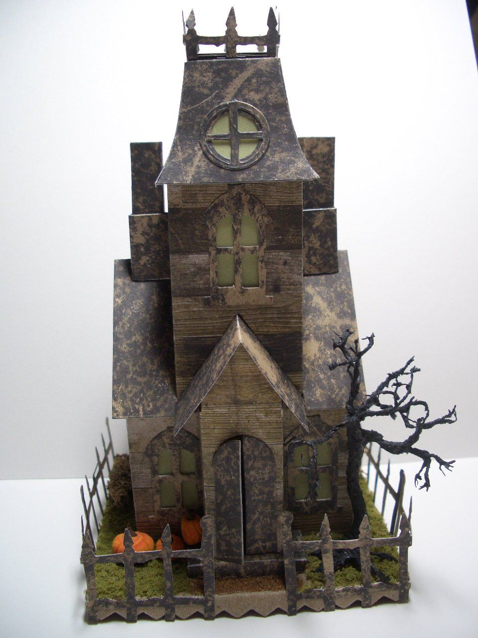 halloween putz made with sizzix tim holtz village manor and sizzix