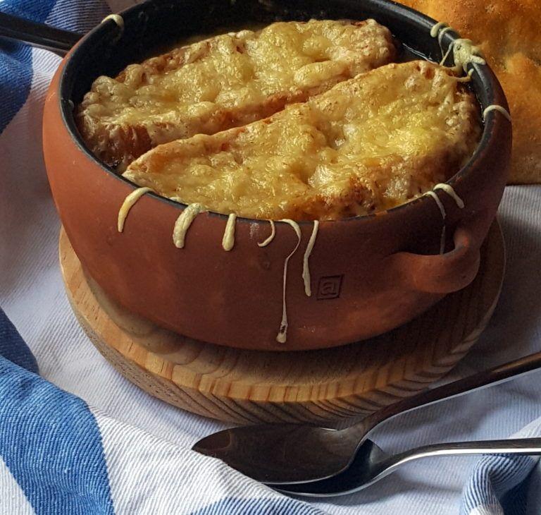 Sopa de cebolla, receta tradicional de la cocina francesa-4