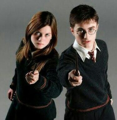 Ginny Weasley And Harry Potter Harry Potter Ginny Harry Potter Vs Twilight Harry Potter Ginny Weasley