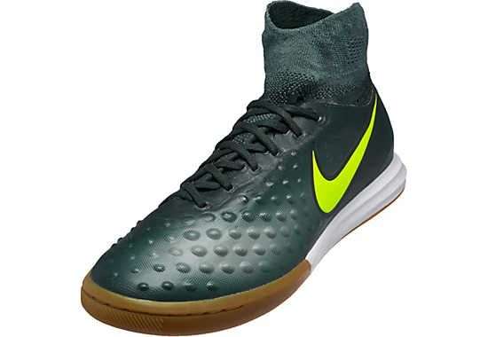 Kids Nike MagistaX Proximo IC. Buy it from www.soccerpro.com ... dab6f390939