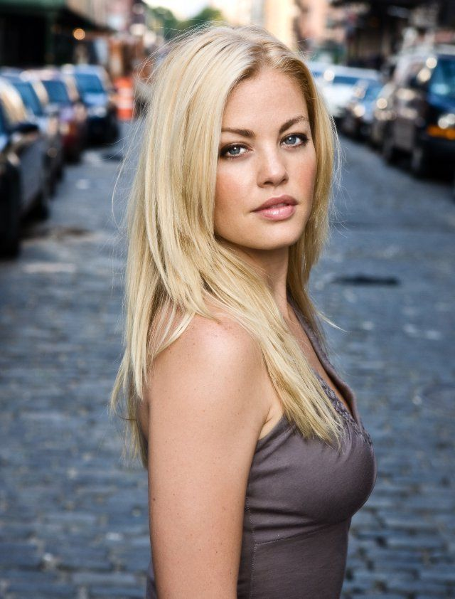 Hot blonde lesbian milfs