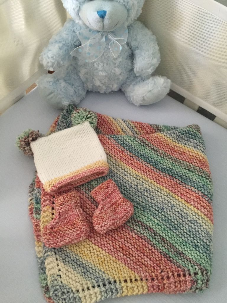 I used 4 skeins of cascade aran splatter colourway 10 for the knitting patterns i used 4 skeins of cascade aran splatter colourway 10 for the blanket and bankloansurffo Choice Image