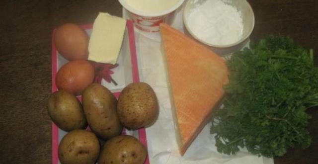Clafoutis aux pommes de terre et maroilles