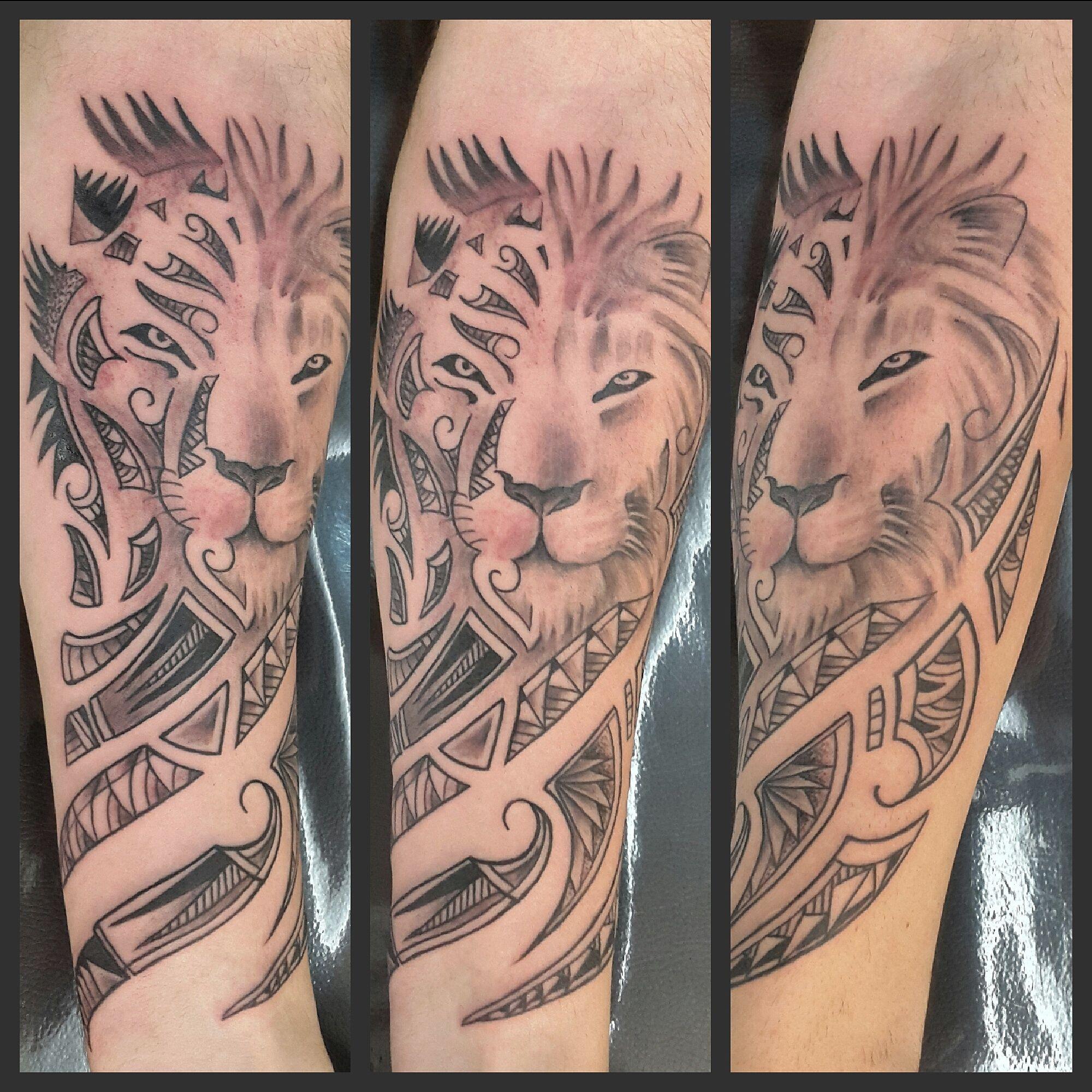 Black Work Maori Lion Tattoo By Lele Marques (RadacTattoo