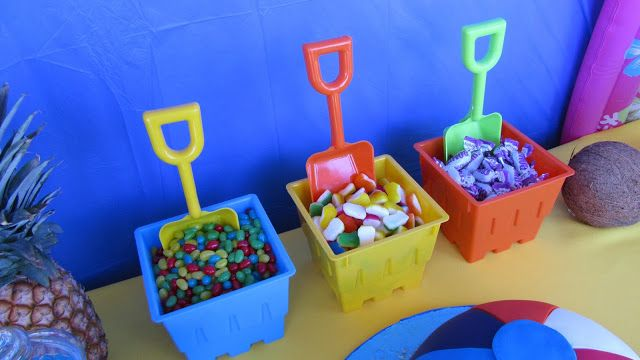 Love the idea of putting snacks in sand bucket and shovel
