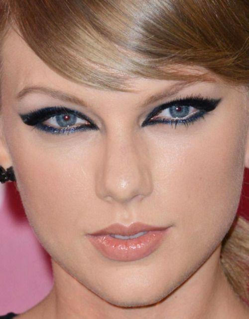 Statement Cat Eye Edgy Winged Navy Blue Smokey Eyes Makeup Taylor