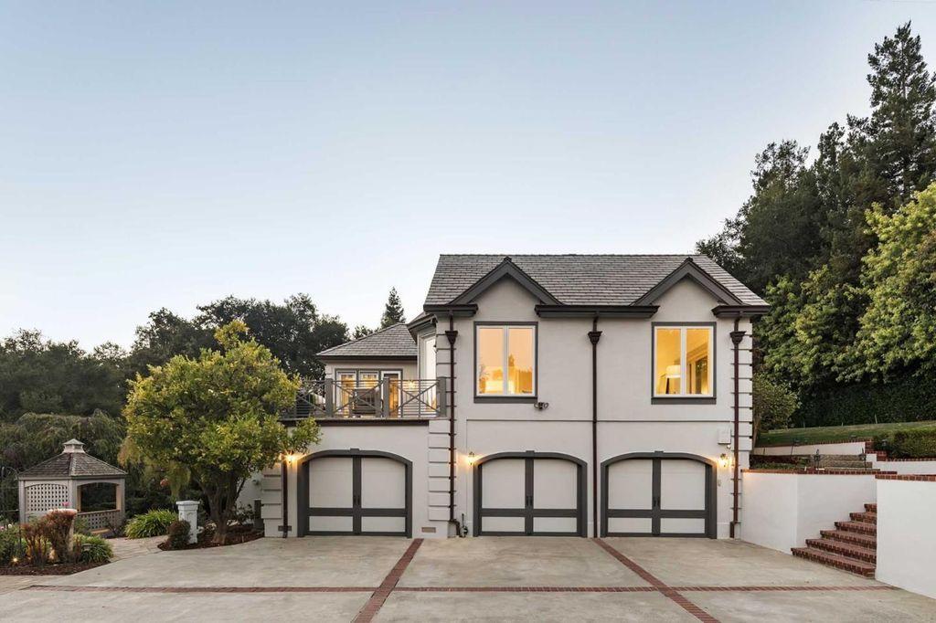 11681 Dawson Dr Los Altos Hills Ca 94024 Zillow Los Altos Hills Los Altos House Exterior