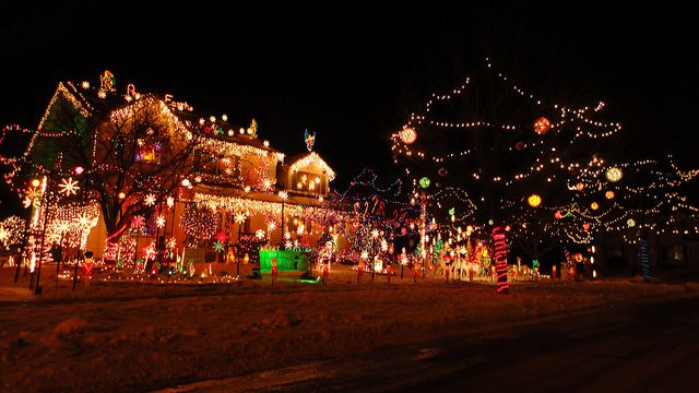 Huge christmas light display in bolingbrook il 1 christmas lights christmas lights solutioingenieria Image collections