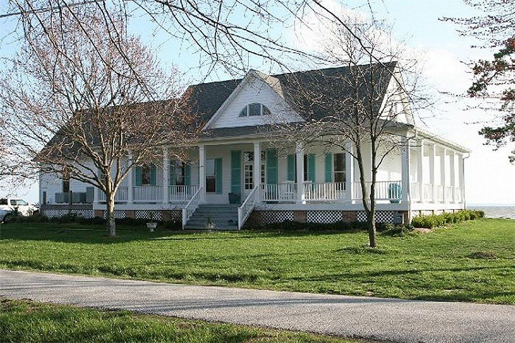 Southern Style House Plan 3 Beds 2 Baths 2268 Sq Ft Plan 137 245 Porch House Plans Cottage House Plans Farmhouse Layout