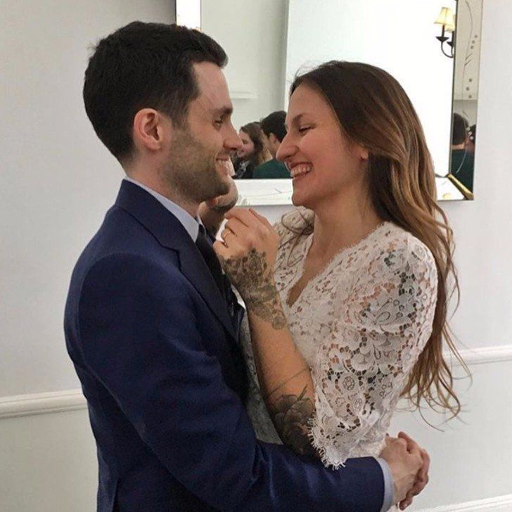 Domino Kirke & Penn Badgley m. 2017 | Wedding pics ...