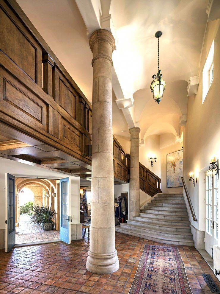 Classic Italian style estate on California coast $295 million