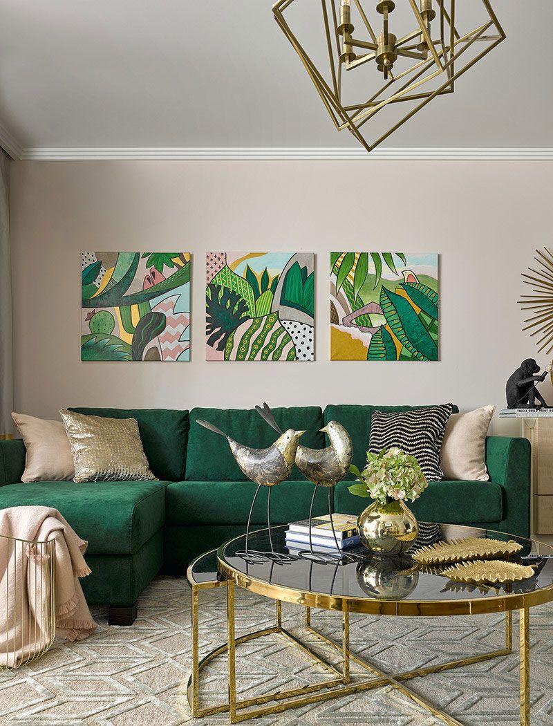 Tropical Motifs In Small Moscow Apartment 57 Sqm Foto Idei Dizajn Living Room Decor Apartment Living Room Green Casual Living Room Design