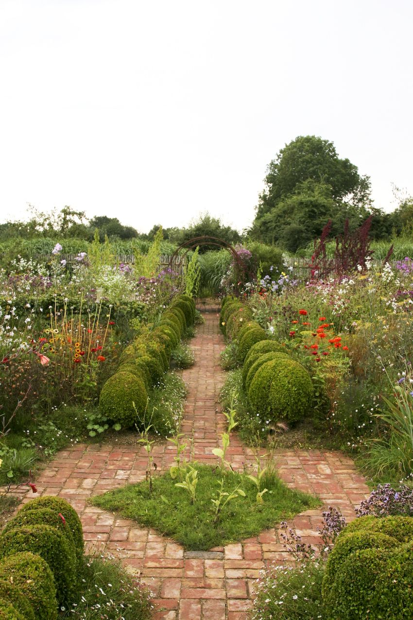 Emil und die gro en schwestern le jardin plume garden for Pflanzengestaltung garten