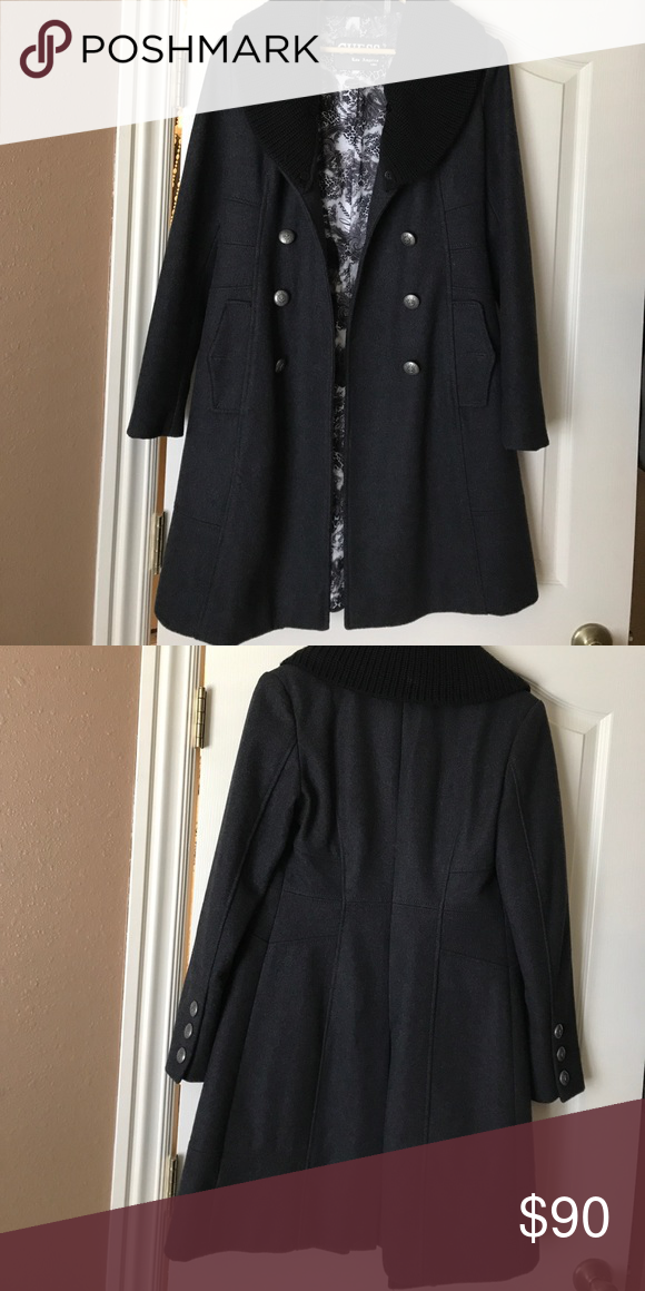 4277ce8e5 Guess wool coat Worn a few times. Very thick and comfortable. It has a  beautiful shape. The fabric collar is removable. Size small Guess Jackets &  Coats Pea ...