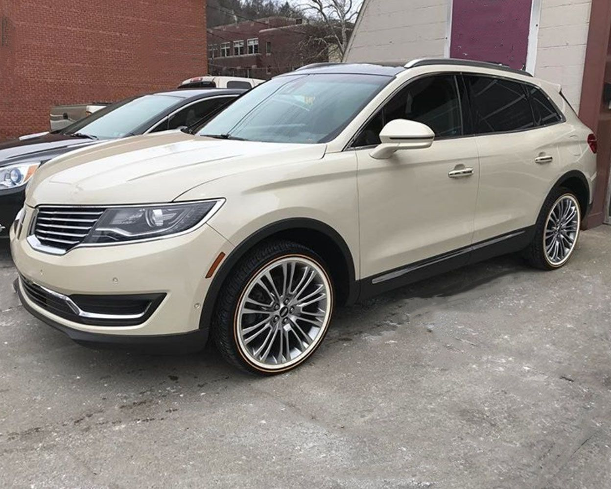 Lincoln Mkx On Vogues What Do You Think Tyres Lincoln Mkx