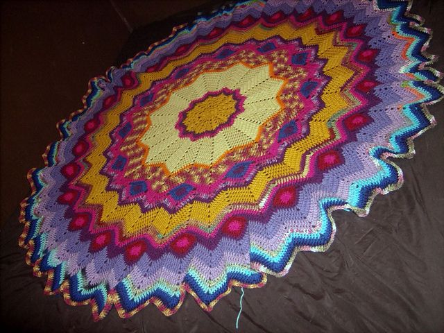 Ravelry: Janel\'s Round Ripple Crochet Afghan with Diagram pattern by ...