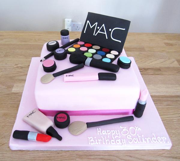 Make-up Birthday Cake  by The Cakery | www.thecakeryleamington.co.uk