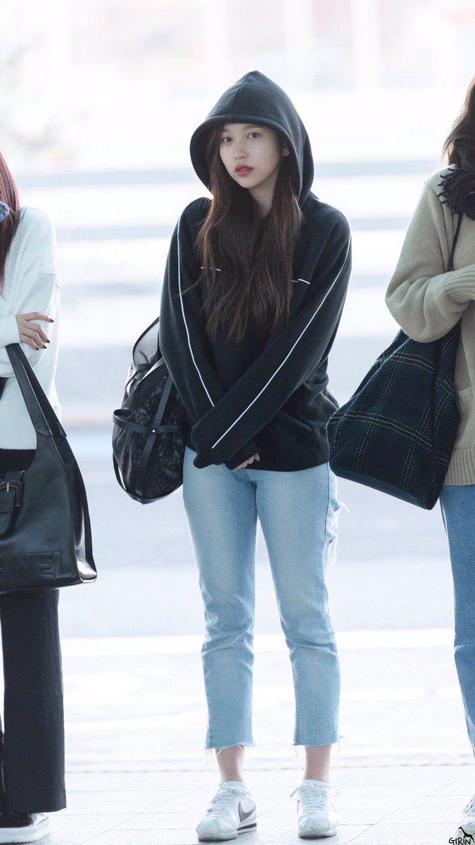 mina pics (@minapics)  Twitter  Korean airport fashion, Airport