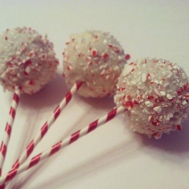 Starbucks Peppermint Brownie Cake Pops #starbuckscake