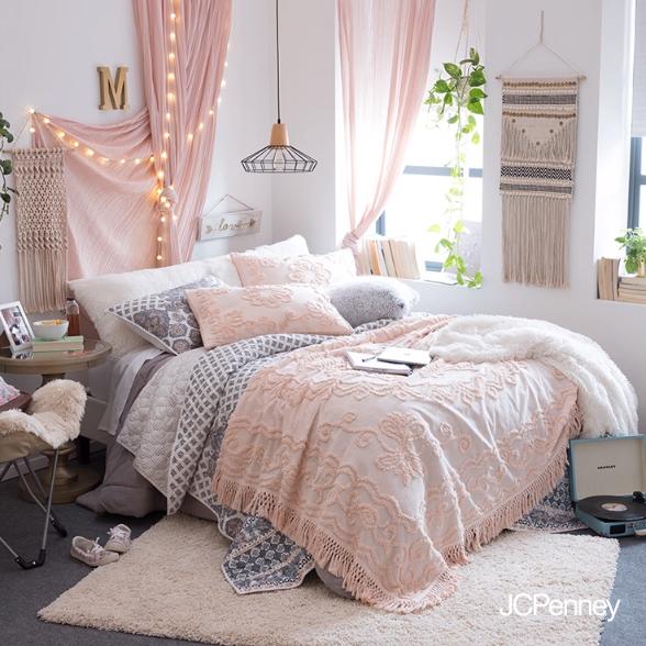 Photo of Dorm Room Essentials & Decor | Apartment Essentials