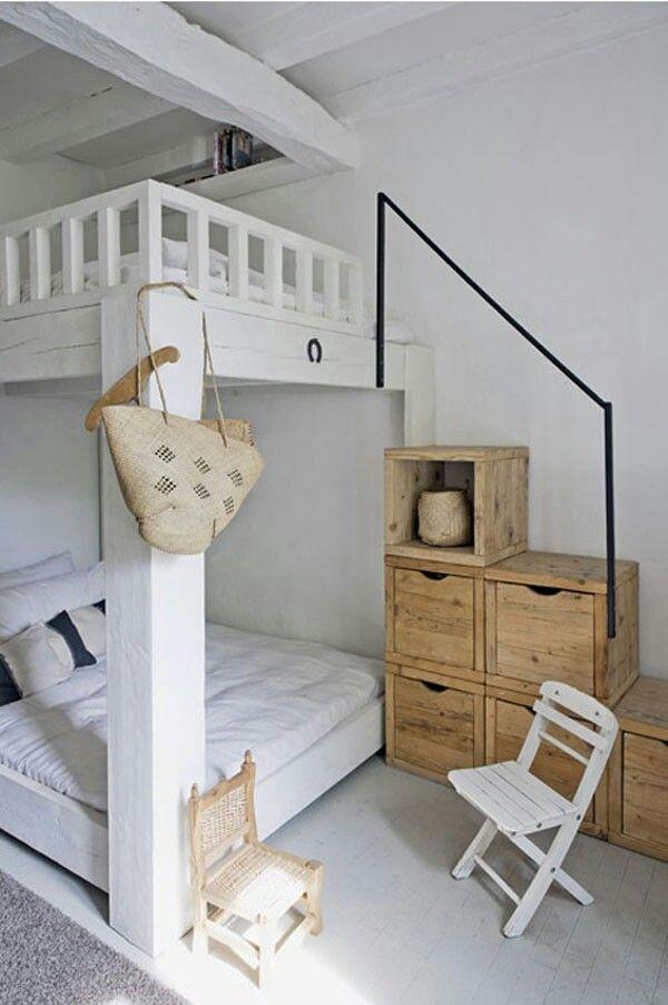 Épinglé Par Szücsné Kuti Zsuzsa Sur Galéria Pinterest - Lit double pour petite chambre