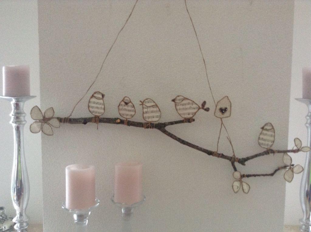 drahtv gel aus papier auf einem ast kunst draht u metall wire metall pinterest ast. Black Bedroom Furniture Sets. Home Design Ideas