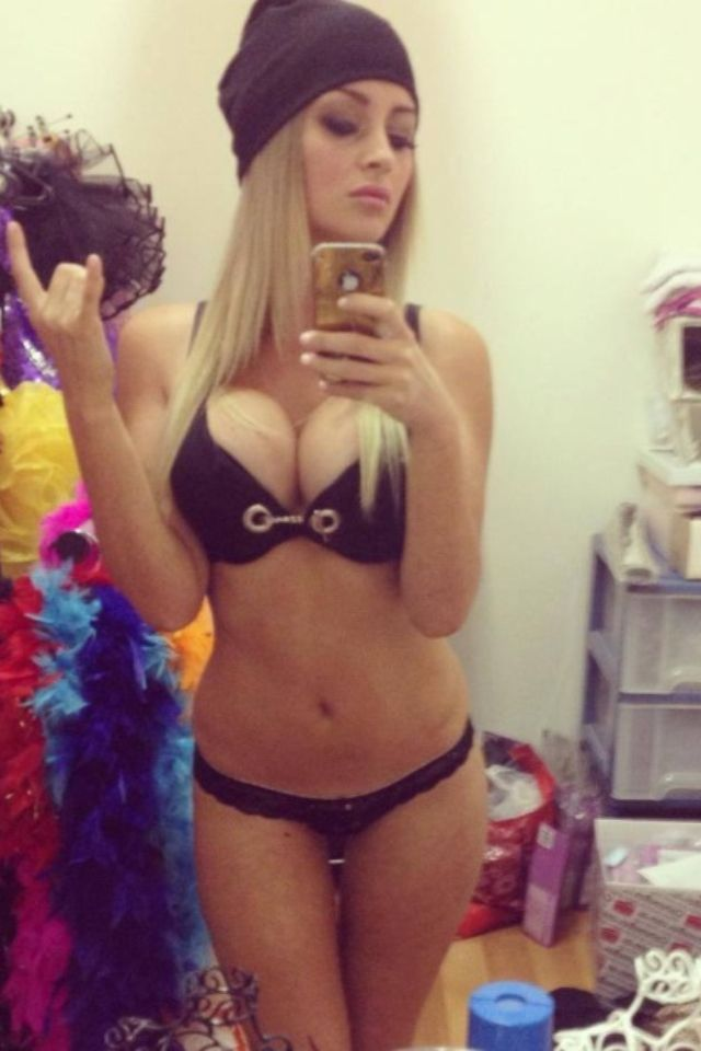 Selfie - Girl Selfie