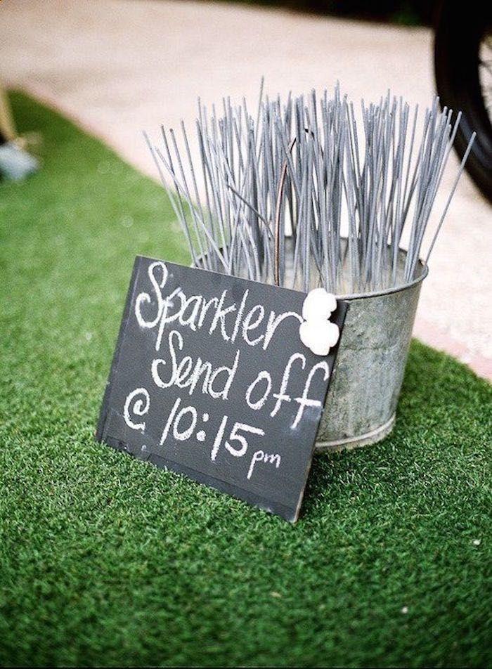 36 Simple Wedding Ideas That Really Inspire -   19 wedding Simple backyard ideas