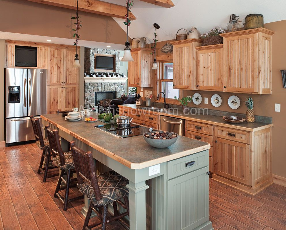 Nice Kitchen too | Amish kitchen cabinets, Kitchen, Amish ...