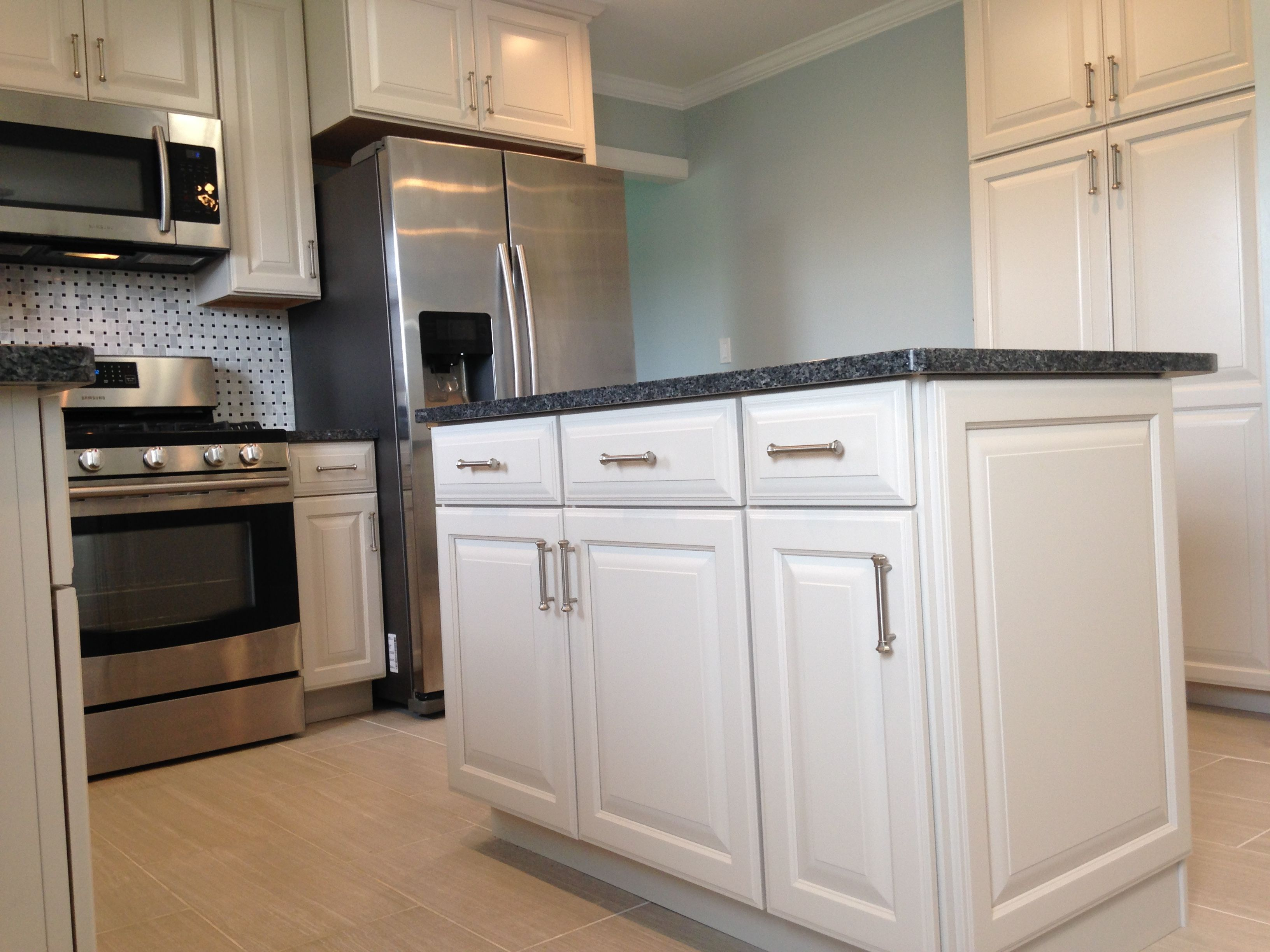 ... This Exquisite Diamond Kitchen Remodel Was Completed By Loweu0027s ... On  Kitchen Design Virginia Kitchen Cabinets In Va Beach.