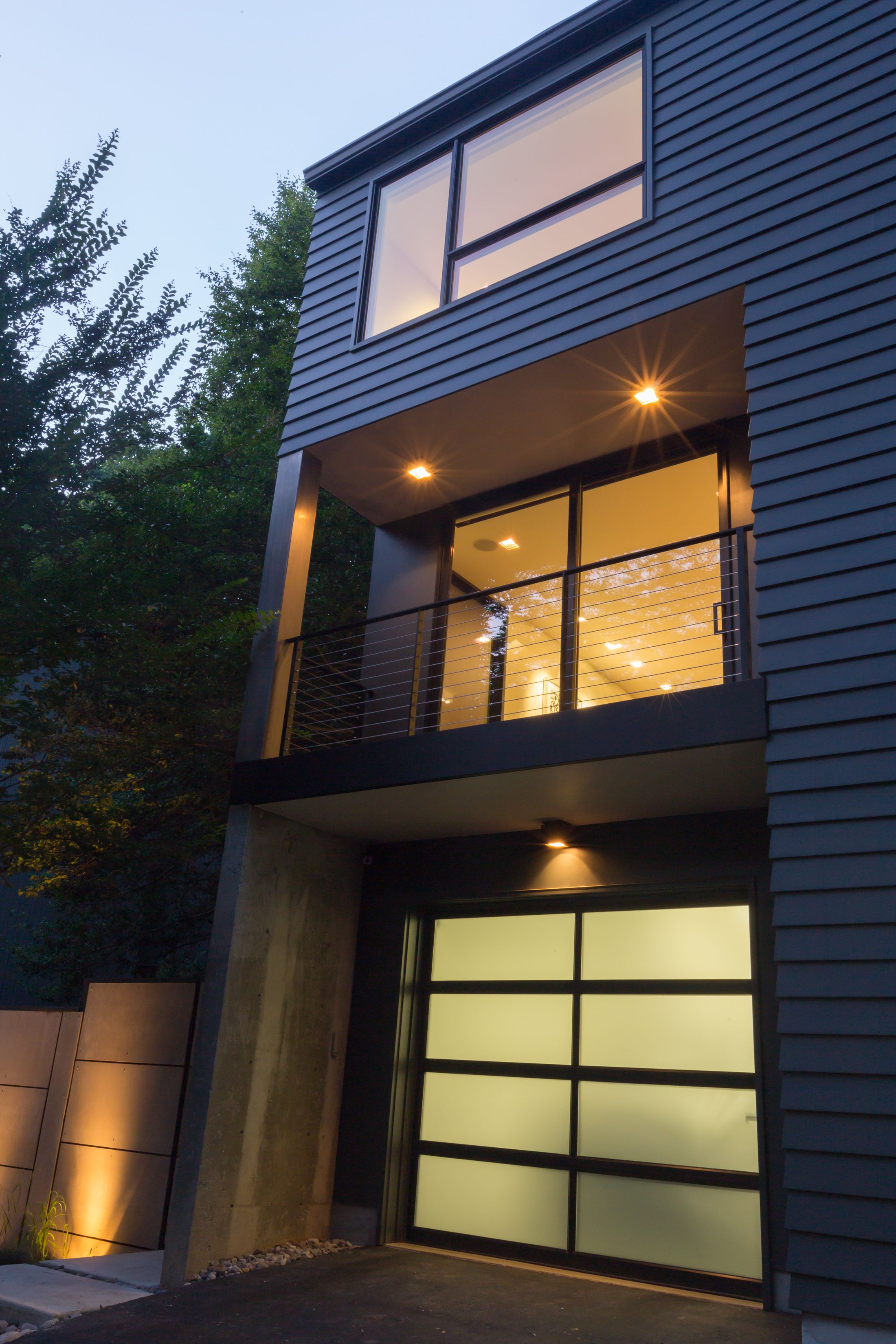 Modern House With Mitered Hardieplank Artisan Siding Aluminum Wrap Board Formed Concrete Wall Steel And Cables R Hardie Plank Modern House Glass Garage Door