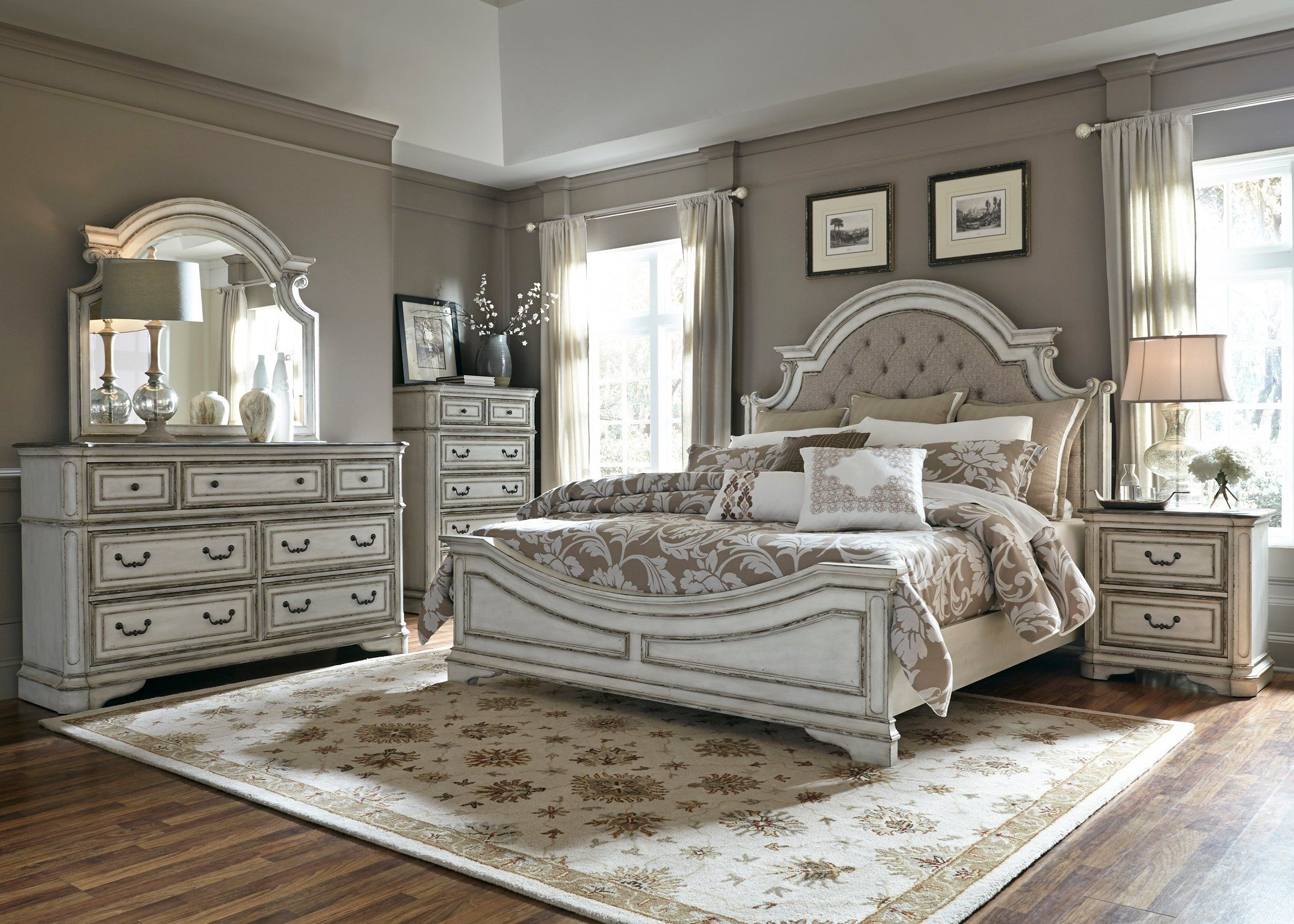 Best Antique White Traditional 4 Piece Queen Bedroom Set 640 x 480