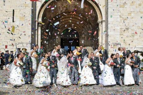 """St Anthony's weddings Mass marriages known as """"St. Anthony's Weddings"""" are held here during the mid-June St. Anthony's Day celebrations. #Lisbon #Portugal"""