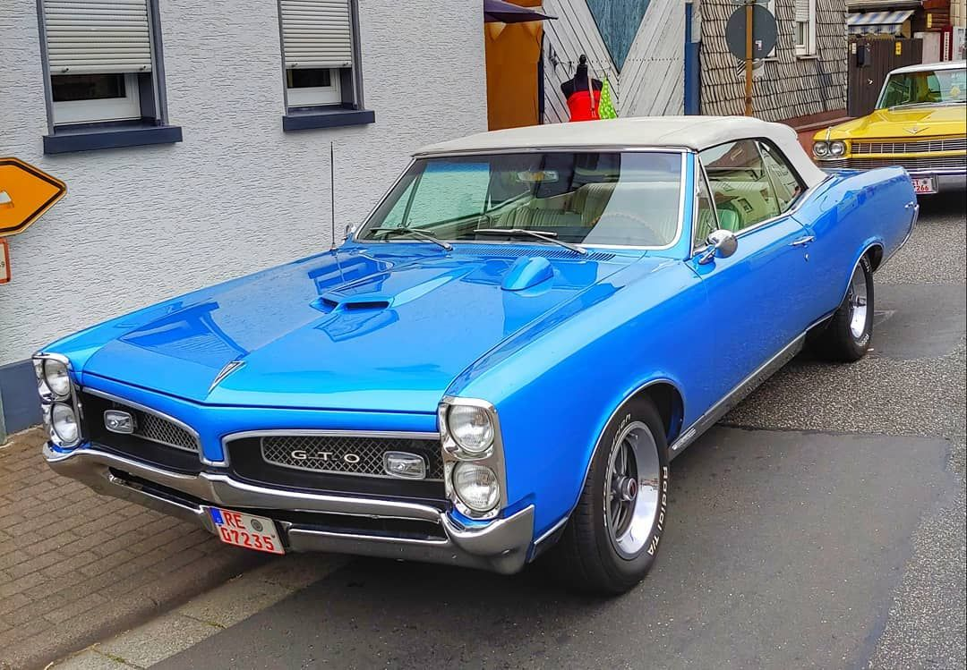 """Classic_car.dream.style™ on Instagram: """"??Pontiac GTO??blue dreams?The speedometer sits on the hood. ➖➖➖➖➖➖➖➖➖➖➖➖➖➖➖➖ ? by me @car.dream.style . Location: Oldie festival 2019,…"""""""