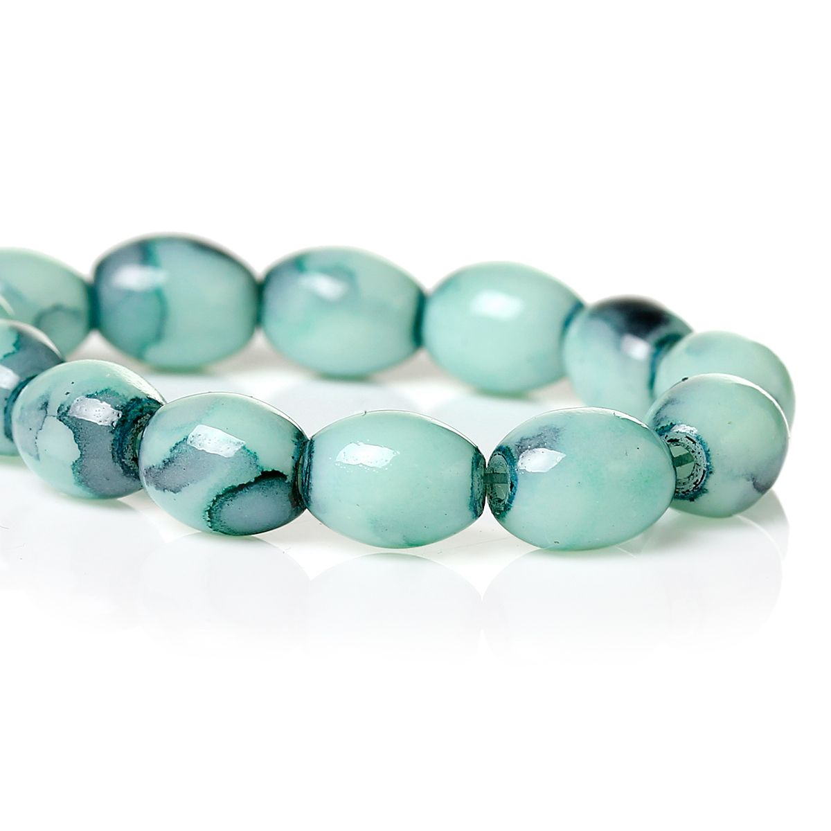 25 x Glass Ovals in Opaque Mint Green 8x6mm, €0,80