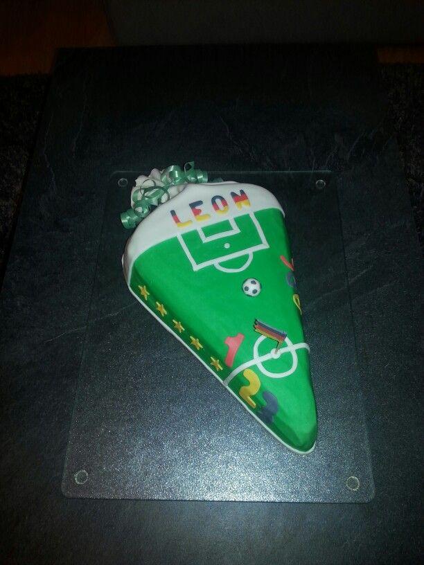 Back To School Cake Soccer Einschulungstorte Fussball Torte Einschulung Torte Schulanfang Einschulungstorte