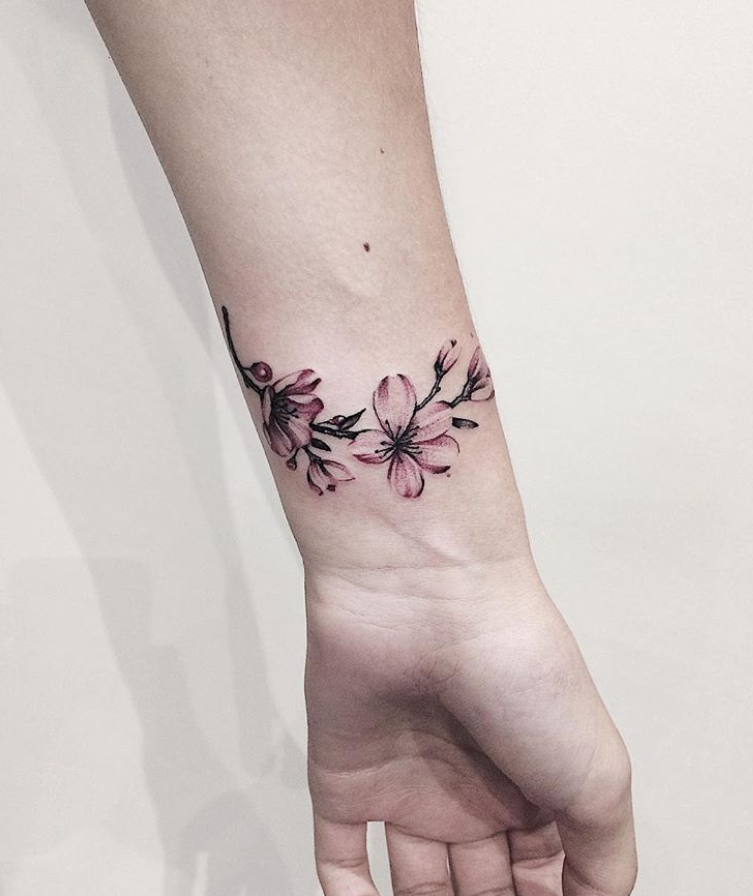 54 Unque Meaningful Small Tattoo Ideas For Woman In 2019