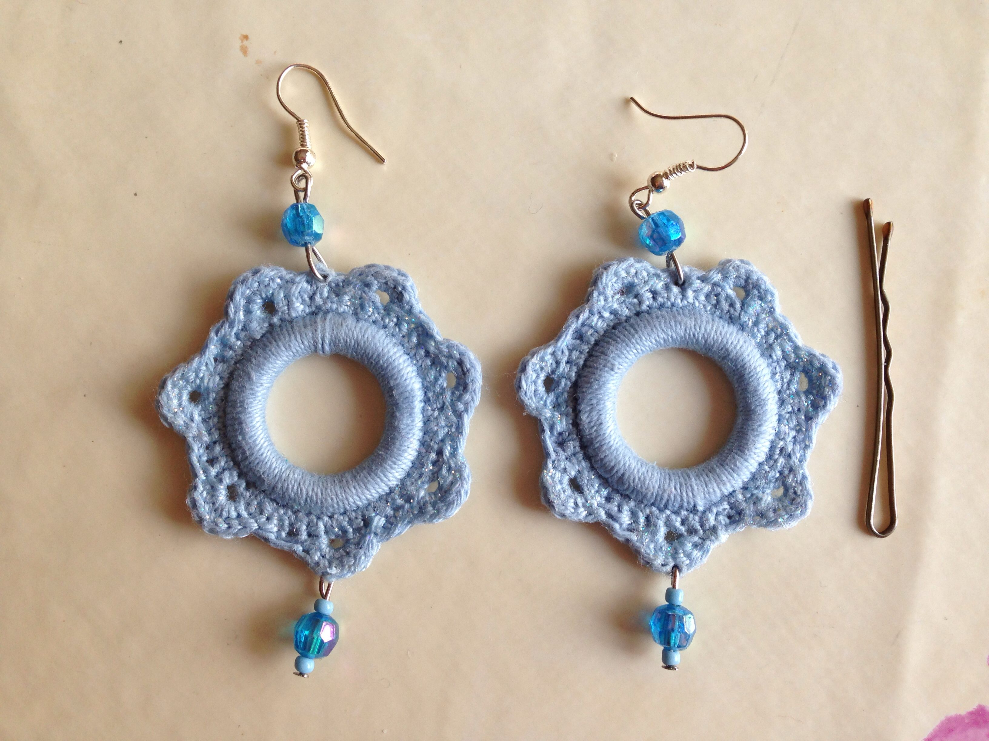 Orecchini Alluncinetto Con Perline E Brillantini Crochet Earrings