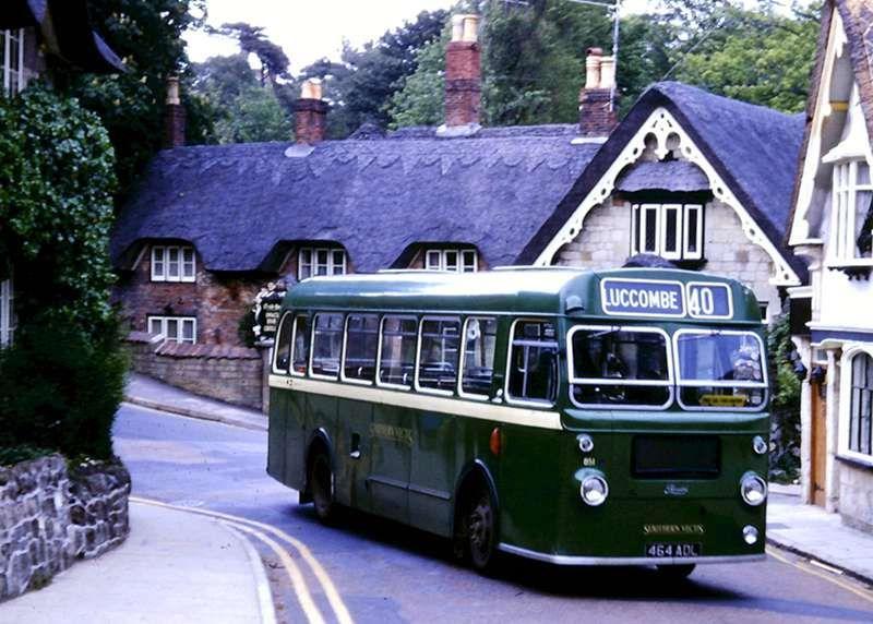 PHOTO Hants and Dorset Bristol FS6G CEL860C in 1968
