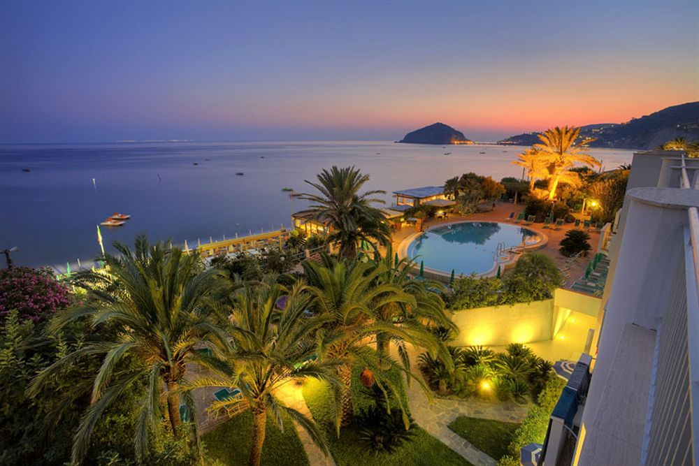 Hotel Parco Smeraldo Terme In Barano D Ischia Is Minutes From Idroterme Olympuaronti Beach This 4 Star Within Close Proximity Of Cavascura