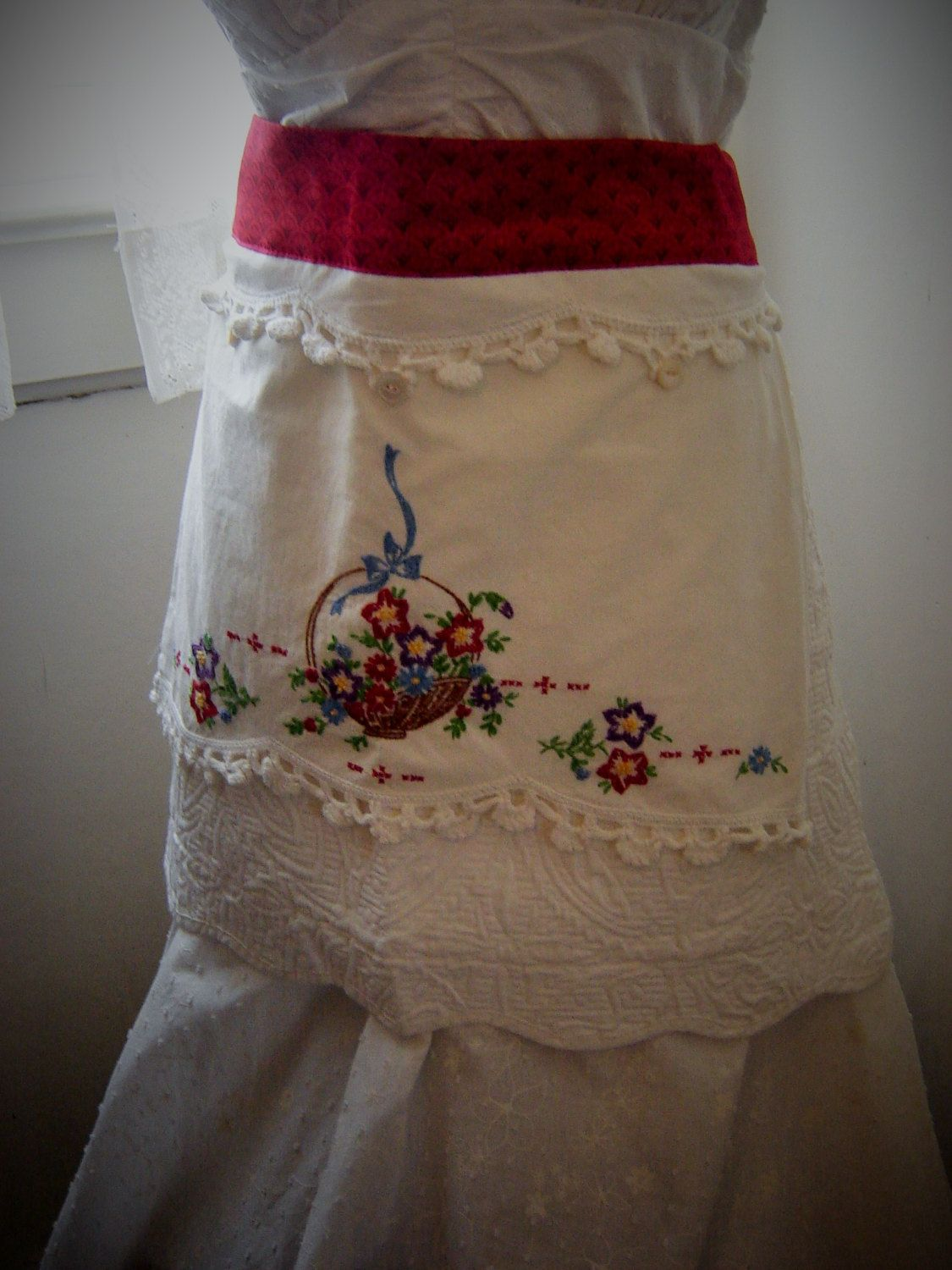 White apron etsy - Vintage Embroidery Red White Apron By Sweetrobinsnest On Etsy