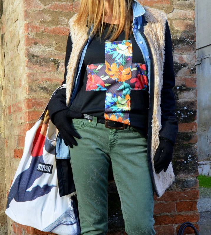http://www.imperfecti.com/green-flowers-denim-and/