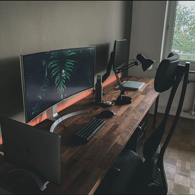 High Quality Desk Setups On Instagram By The Minimalist