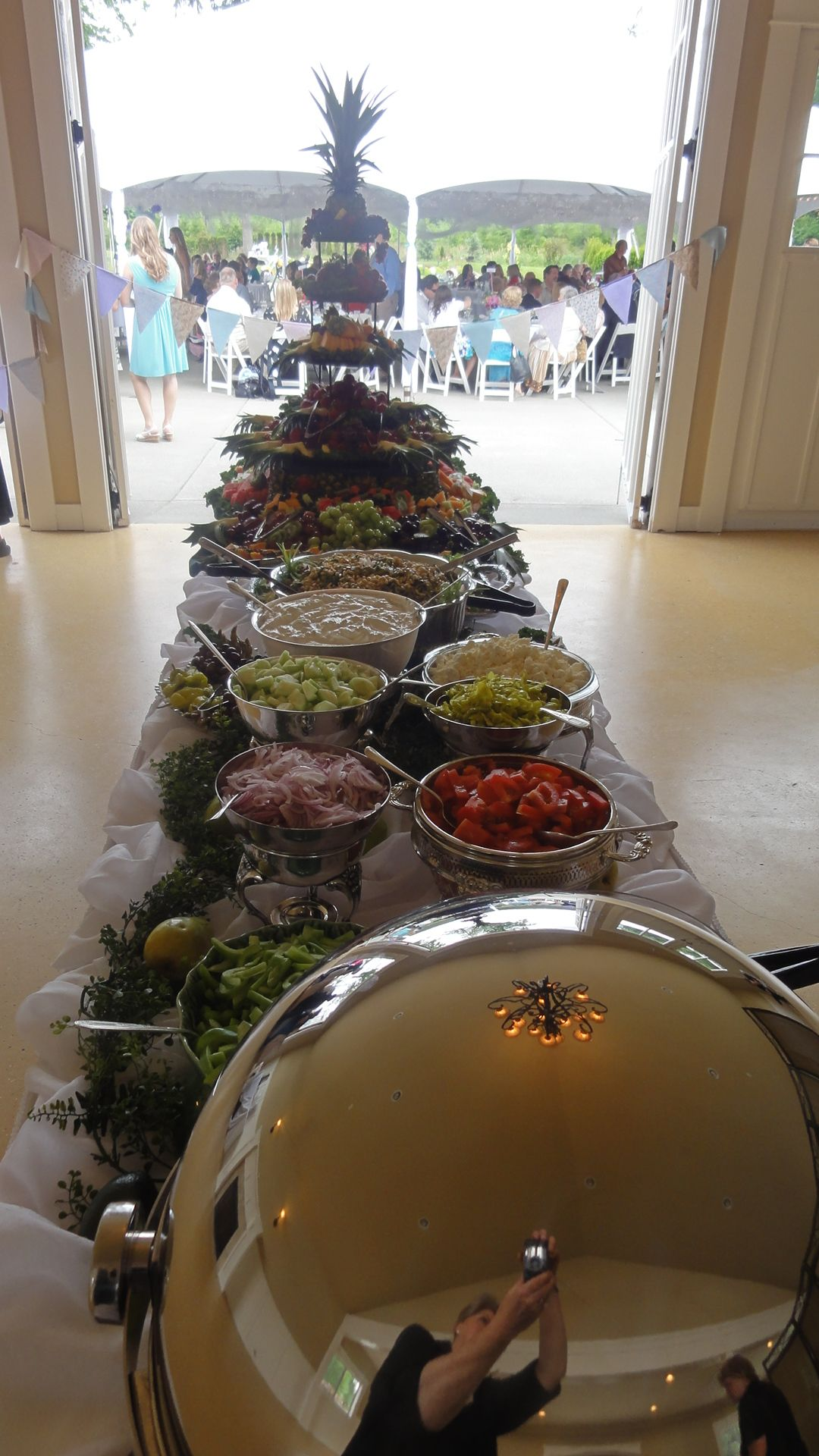 Want A Buffet Style Dinner At The Reception With Finger Foods And