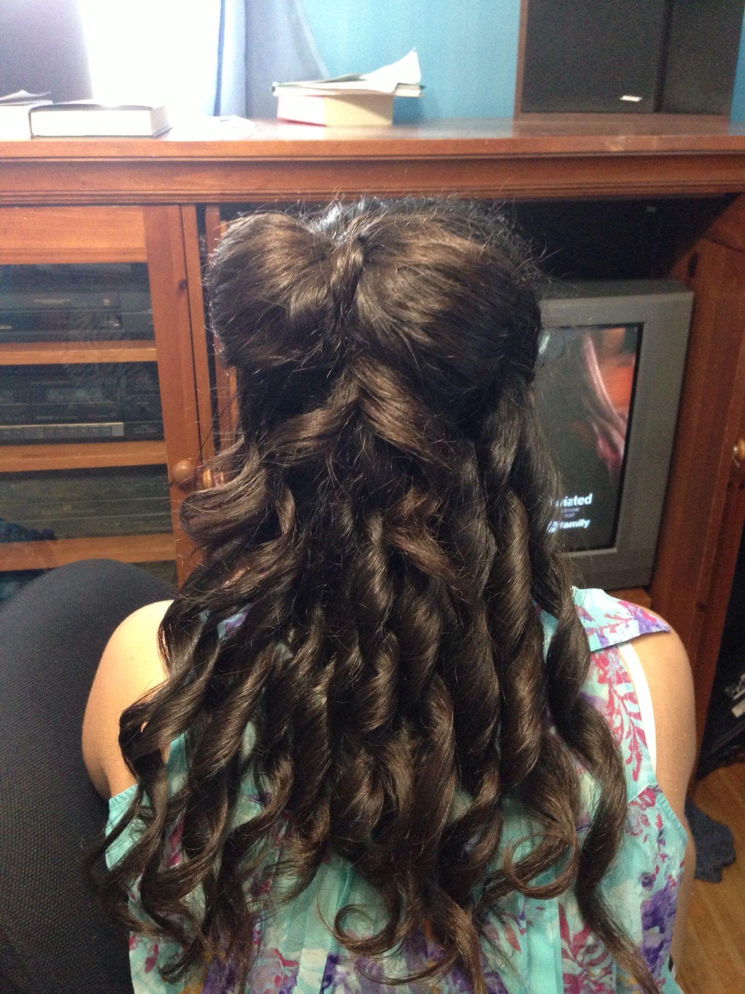 Cute hair bow updo!
