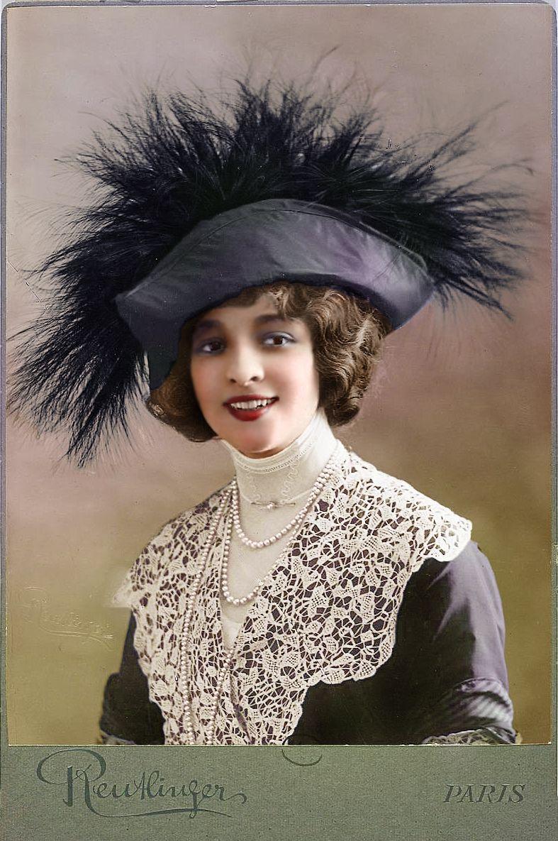jane renouardt en buste avec un chapeau plume circa 1910 giant hats pinterest h te. Black Bedroom Furniture Sets. Home Design Ideas