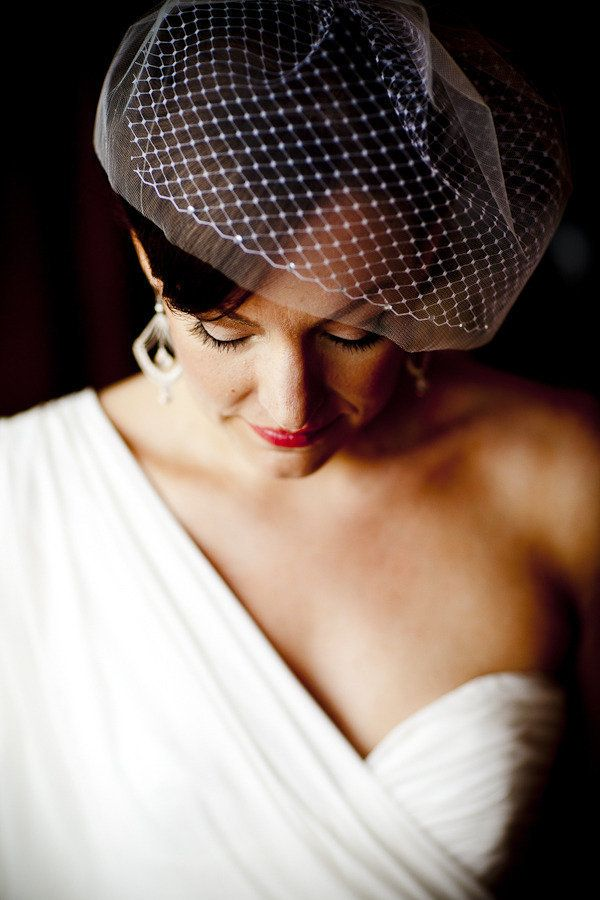 love this Bride's style  Photography by jppstudios.com